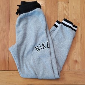 Nike boys jogger sweat pants size XL